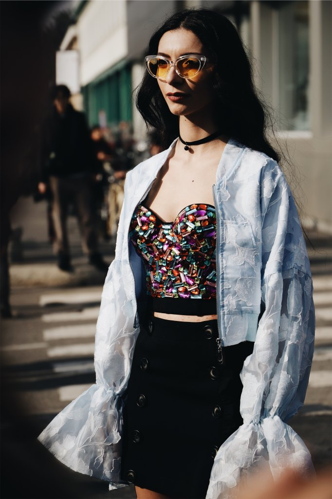 Fashion Influencer in jewelled crop top